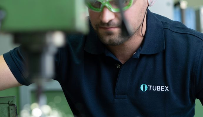 Tubex ist auf die Herstellung von Aluminiumtuben spezialisiert.